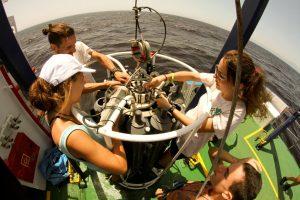 El buque de investigación oceanográfica UCADIZ vuelve a acoger este año el curso de verano Mares de Andalucía